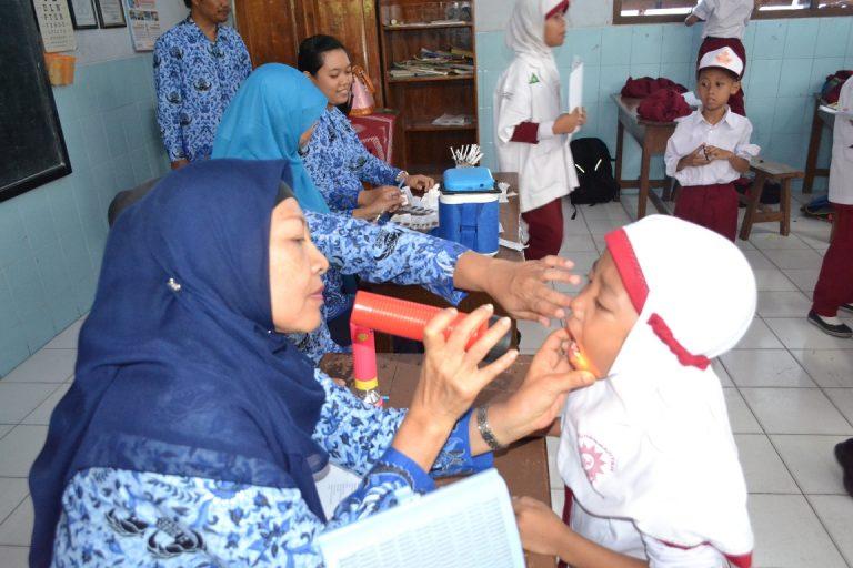 Imunisasi Siswa SD Muh Ponorogo Oleh Puskesmas Kota Ponorogo